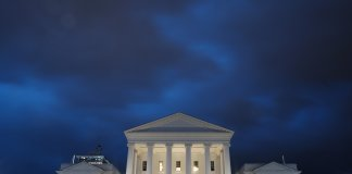A storm passes over the Capitol. (Ned Oliver/Virginia Mercury - Sept. 11, 2018)